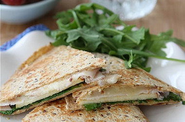 Lunchtime Quesadilla with Smoked Turkey, Apples, Havarti Cheese ...