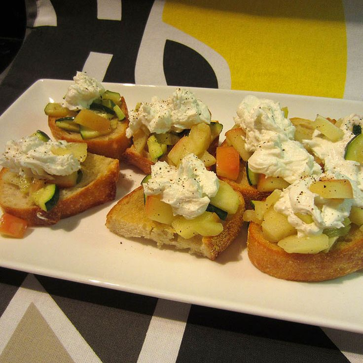 """""""little toasts"""" in Italian) topped with sauteed apples, zucchini ..."""