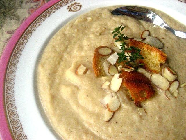 Caramelized Cauliflower Soup | Delish! | Pinterest