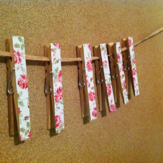 Pretty clothespins cards craft ideas pinterest for Mini clothespin craft ideas