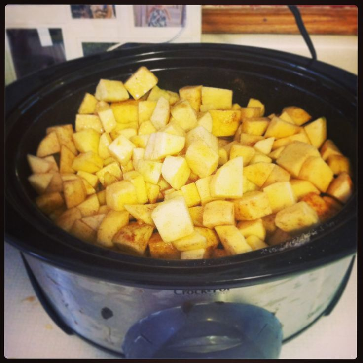 Crock pot applesauce | slow cooker recipes to try | Pinterest