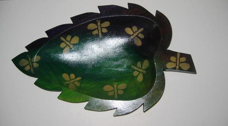 Bateas decorativas en madera de urapan.