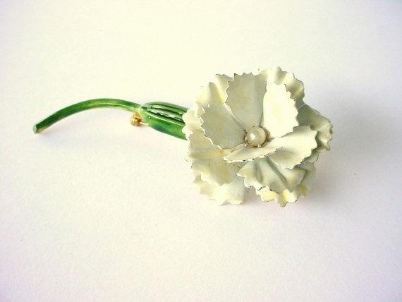 White Flower Brooch Pin  Vintage Original By Robert by CraZyDreamZ, $22.00