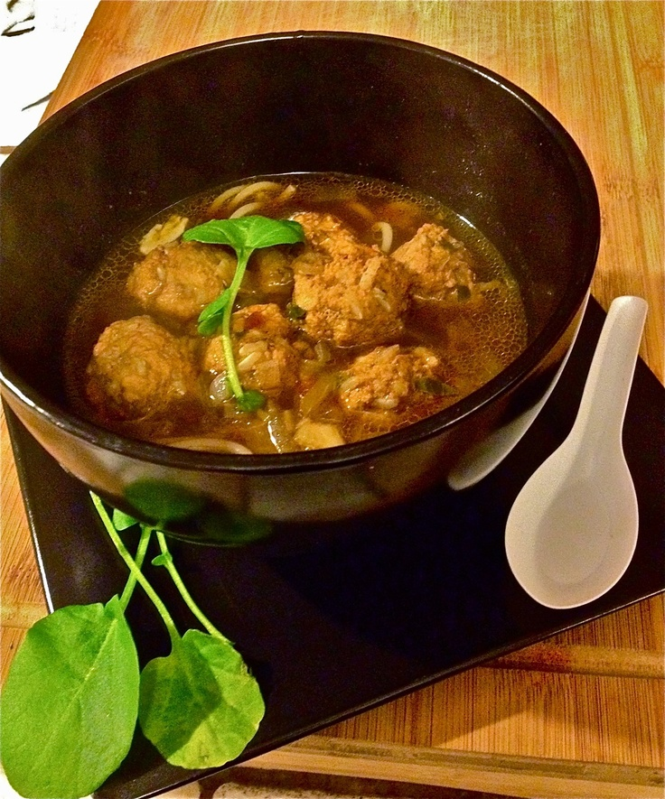 ... www.foodrepublic.com/2011/11/11/cantonese-spiced-pork-meatball-soup