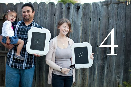 pregnancy announcement photography by Jennifer Bagwell features chalkboard family