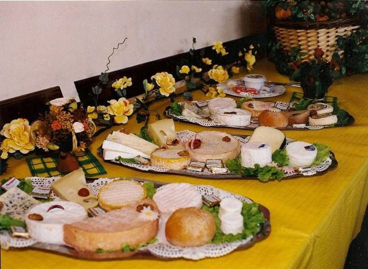 Pin by anne sophie on je re ois pinterest - Idee presentation buffet froid ...