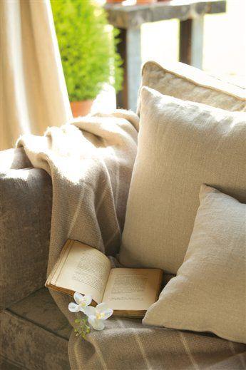 Velvet, suede, wool; El Mueble