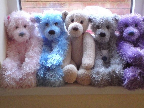 Knitting Patterns For Teddy Bears : Hugglable Teddy Bear PDF Knitting Pattern