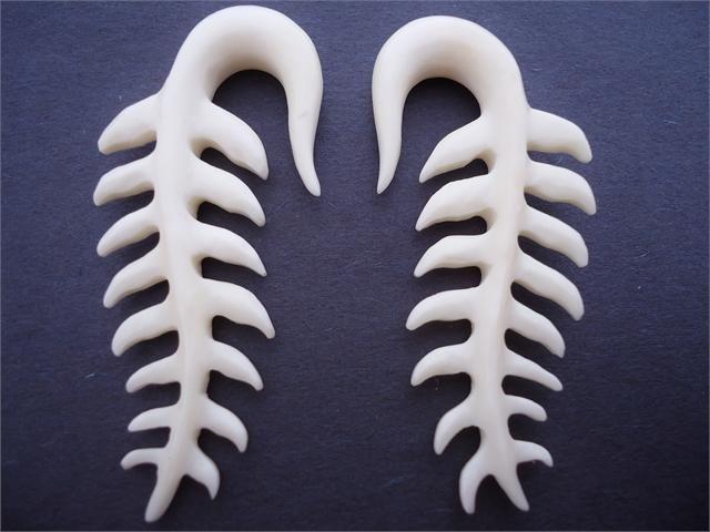 Bone spiney hooks for the hardcore look b