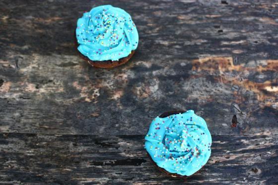 mini flourless chocolate cakes with buttercream frosting. for my ...