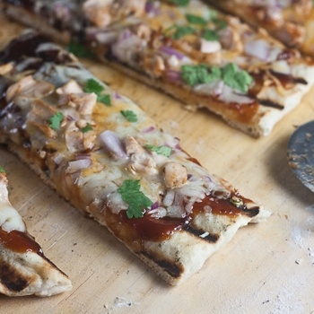 Grilled Barbecue Chicken Pizza | Sounds Delicious! | Pinterest