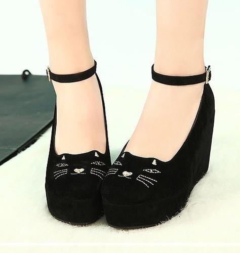 Cat Face Shoes Wedges Platform Pumps. WANT