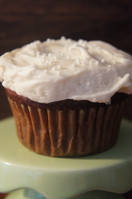 ... goddess: Gluten Free Gingerbread Cupcake with White Chocolate Frosting