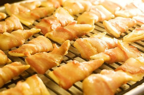 cheese bacon appetizers | Club crackers, cheese and bacon appetizers ...