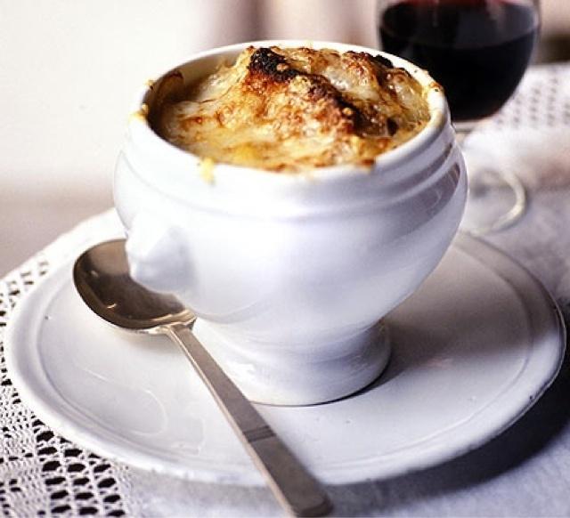 Sunday Soupe à l'oignon gratinée | Soup, Stews and Chili | Pinterest