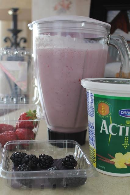 and blackberry smoothie recipe: 6-8 Strawberries 4-6 Blackberries ...
