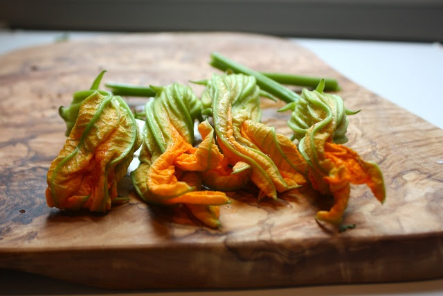 cheese-stuffed fried squash blossoms | YUM | Pinterest