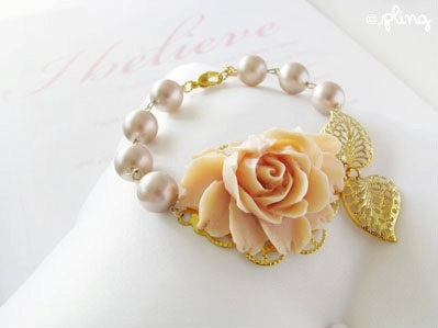 champagne rose & pearls corsage bracelet / bridemaids pretty :: pling