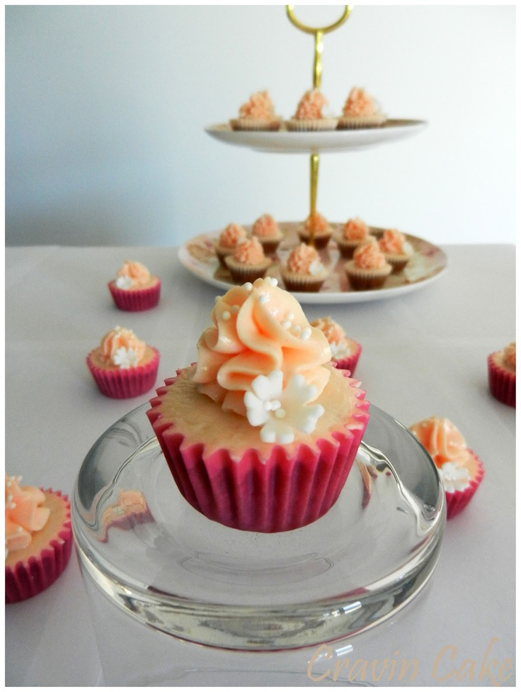 ... Almond Cupcakes with Heavenly White Chocolate Cream Cheese Frosting