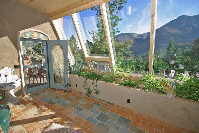 Light and airy earthship dream farm home pinterest for Cozy homes