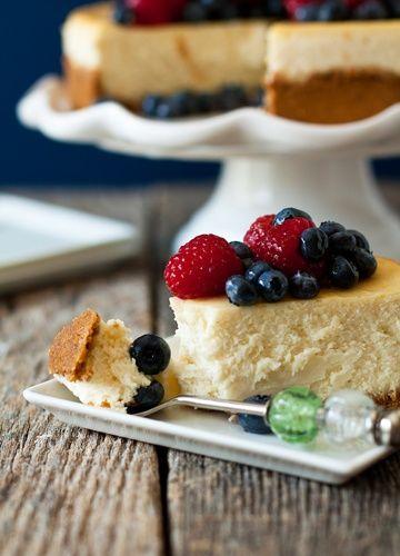 Lemon Cheesecake with Fresh Berries | CHEESE CAKE | Pinterest