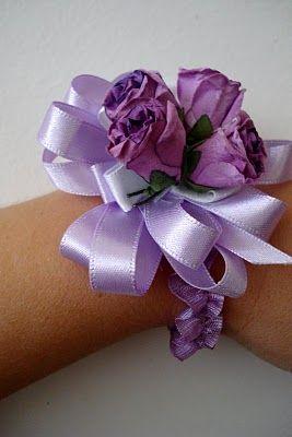 Wrist corsage tutorial
