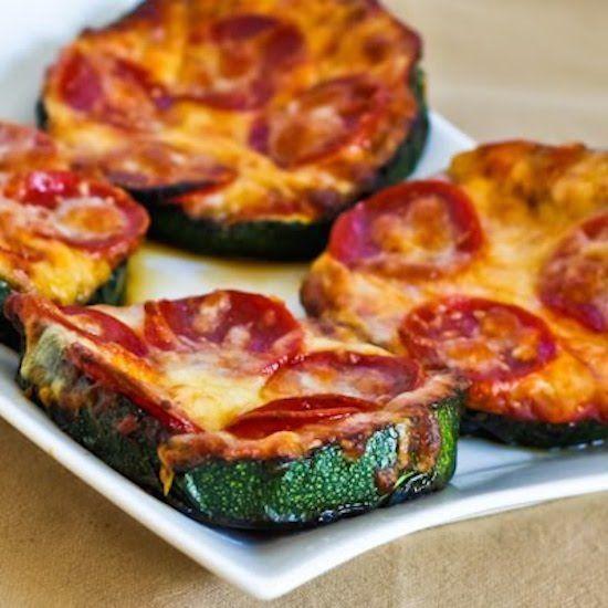 Grilled Zucchini Pizza Slices | Bloomington Recipe Rainbow | Pinterest