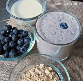 Jenna's Cooking Journey: Blueberry Maple Oatmeal Smoothie