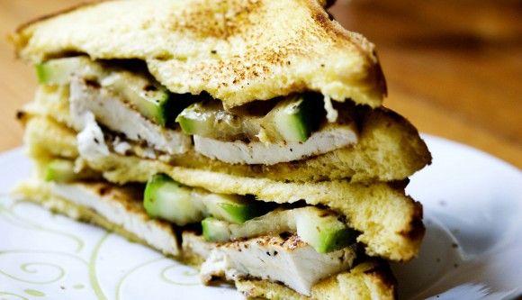 Grilled Tofu and Zucchini Sandwich | veganator | Pinterest