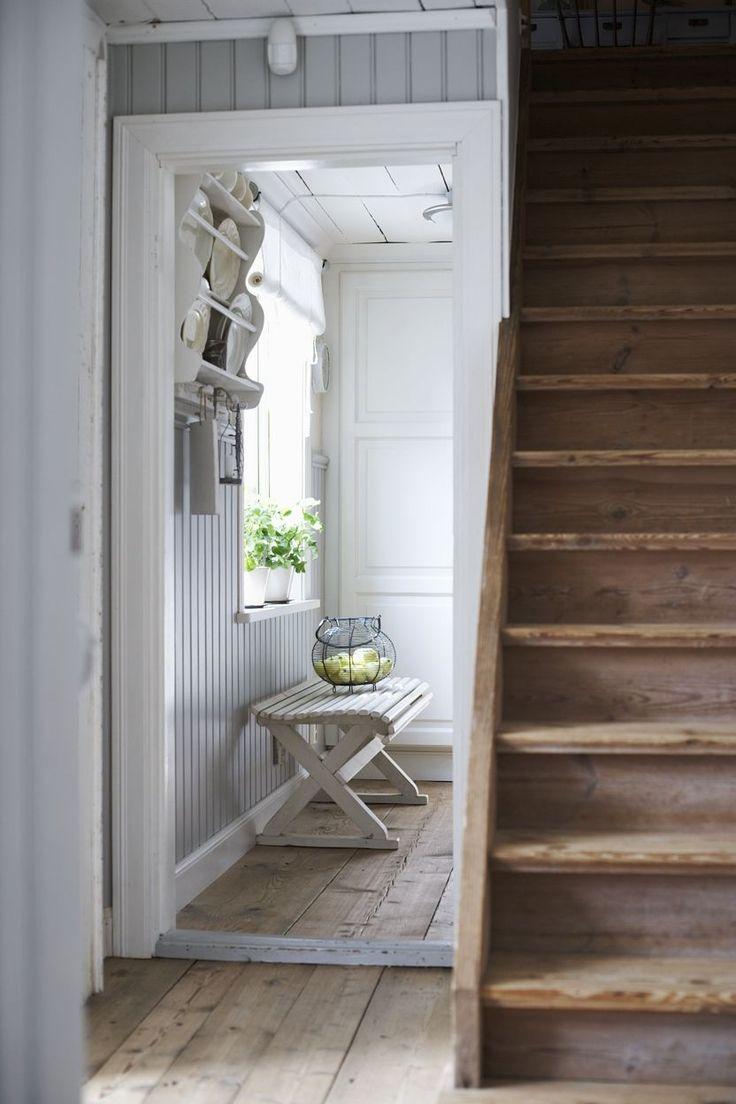 Narrow Foyer Stairs : Narrow stairs v hiši pinterest