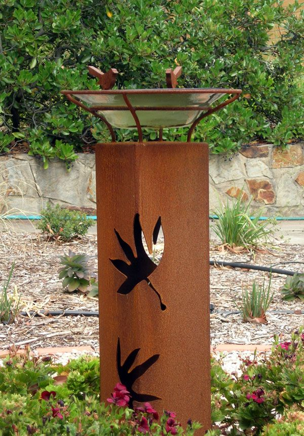 Metal garden art bing images welding pinterest for Wire yard art