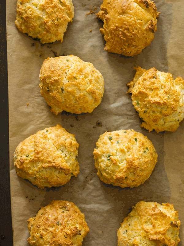 sour cream & chive drop biscuits | Yummy Stuff | Pinterest