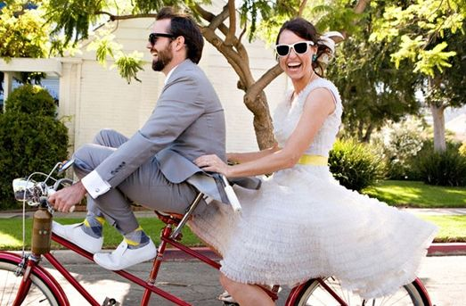 Fun and whimsical bike ride for couple's portraits #bicycles #weddings
