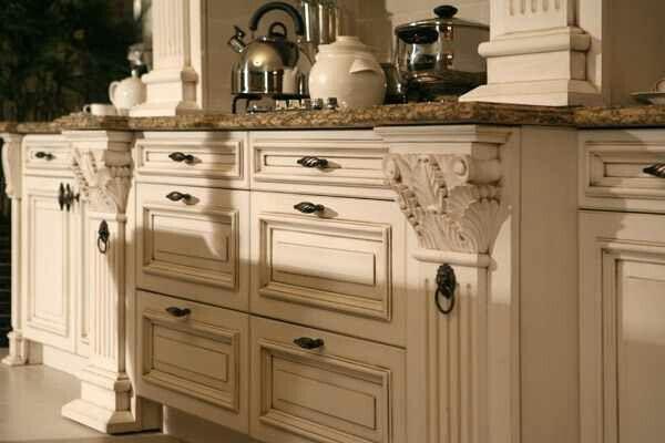 Yhe finish kitchen cabinets glazed antique white for Antique glaze white kitchen cabinets
