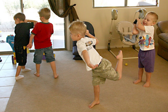how to do kid n play dance