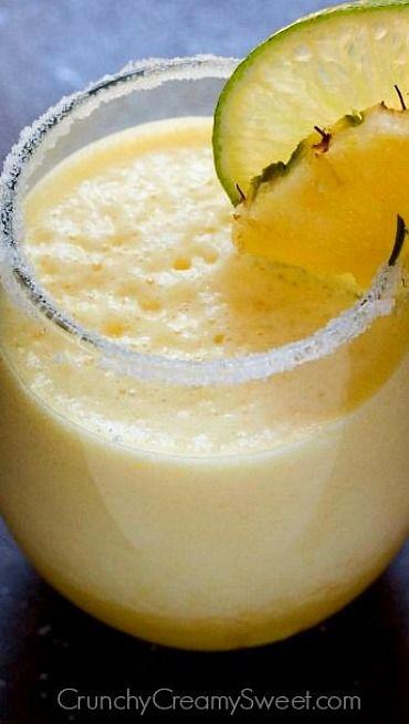 Fresh Pineapple Margarita. Sounds so good!!