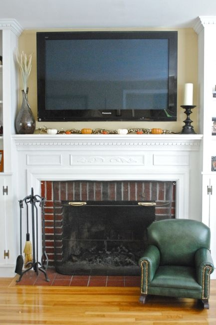 Mantel decor with tv above home pinterest for Over the mantle decor