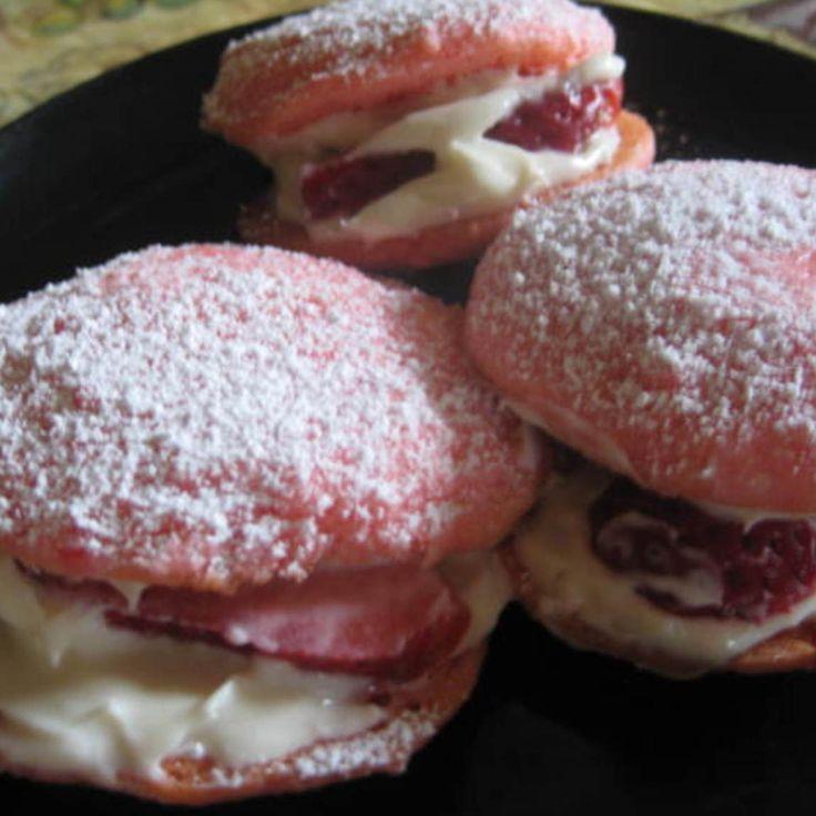 Strawberry Sandwich Cookies | Desserts | Pinterest