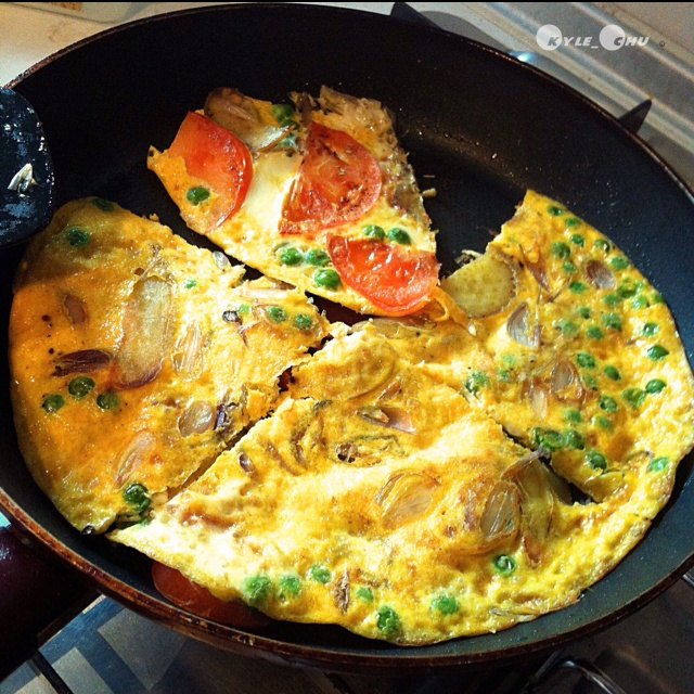 ... recipe : Spanish #Omelette with peas , tomatoes & Sweet potatoes #food