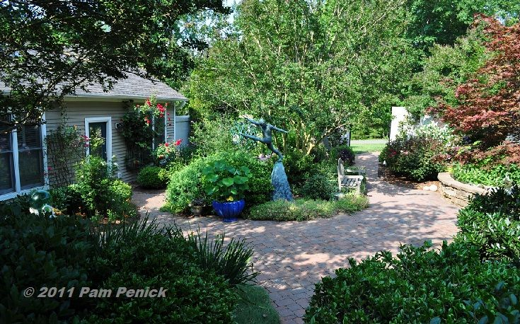 Simple landscape tuscan style backyard landscaping for Tuscan courtyard landscaping