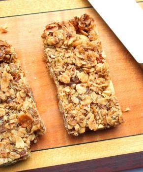 Ginger Cashew Granola Bars | Eat Clean | Pinterest