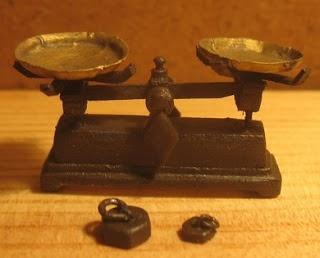Idee une balance de cuisine miniatures objets pinterest - Balance de cuisine moulinex ...