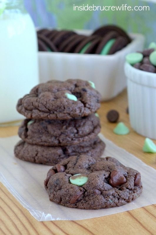 Mint Cookies - easy chocolate cake mix cookie filled with Oreo cookie ...
