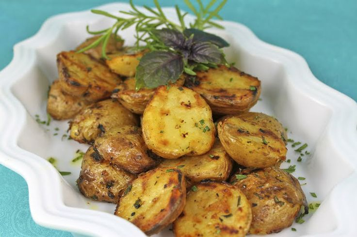 Grill-Roasted Rosemary Potatoes - thecafesucrefarine.com