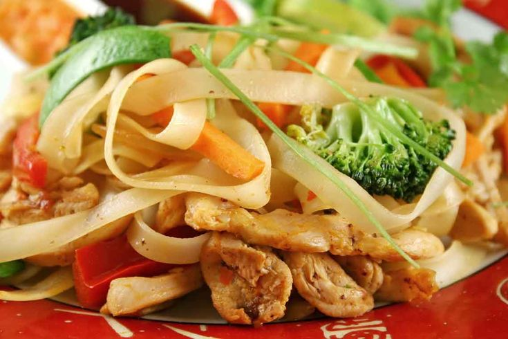 ... dine with me Canada. Sweet and Spicy Chicken and Broccoli Stir Fry