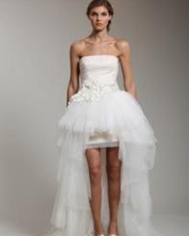 November rain wedding dress ;)  Gunsnroses  Pinterest