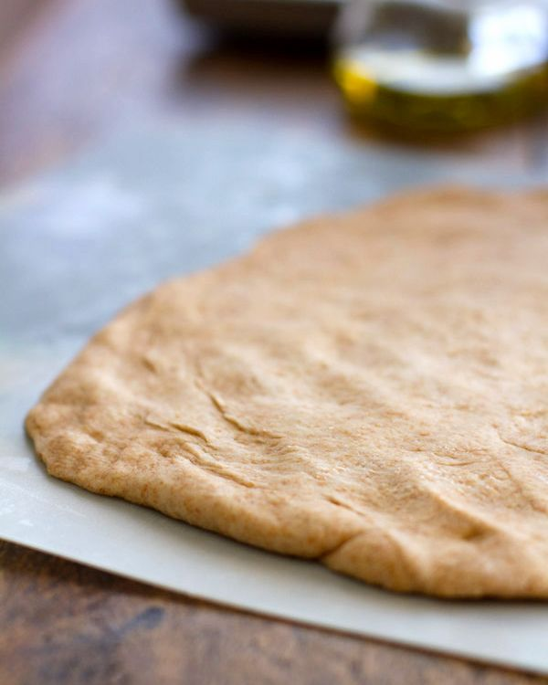 easy whole wheat pizza dough...basic recipe, but i want to try this ...