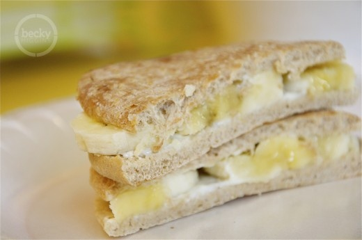 banana sandwich - for Lori who will be having her first one for lunch ...