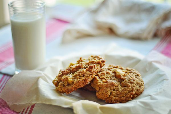 Oatmeal Apple Cookies - use apple sauce instead of shortening and ...