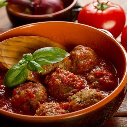 Italian Meatballs in Tomato Sauce | Yummy Food & Dessert | Pinterest